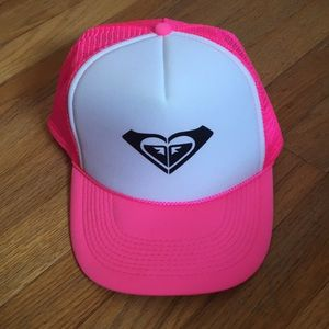 Neon pink Roxy hat